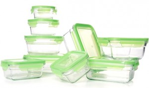 These food storage containers from Snapware are our premium food storage containers pick.